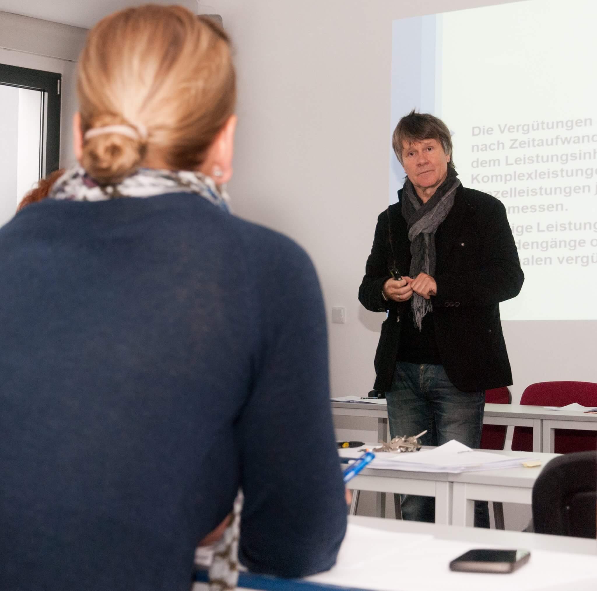 Vortrag zum Pflegeneuerungsgesetzes von Referent und Geschäftsführer Herr Alexander Falkenberg